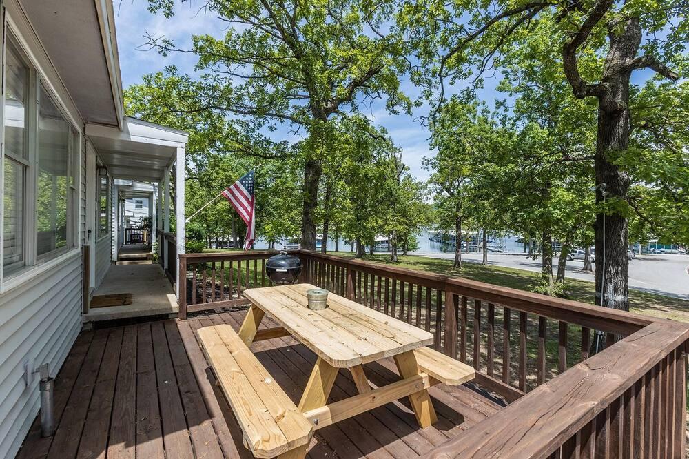 Cabin (Lighthouse 5 - Outdoor POOL - Lake Vi) - Ban công