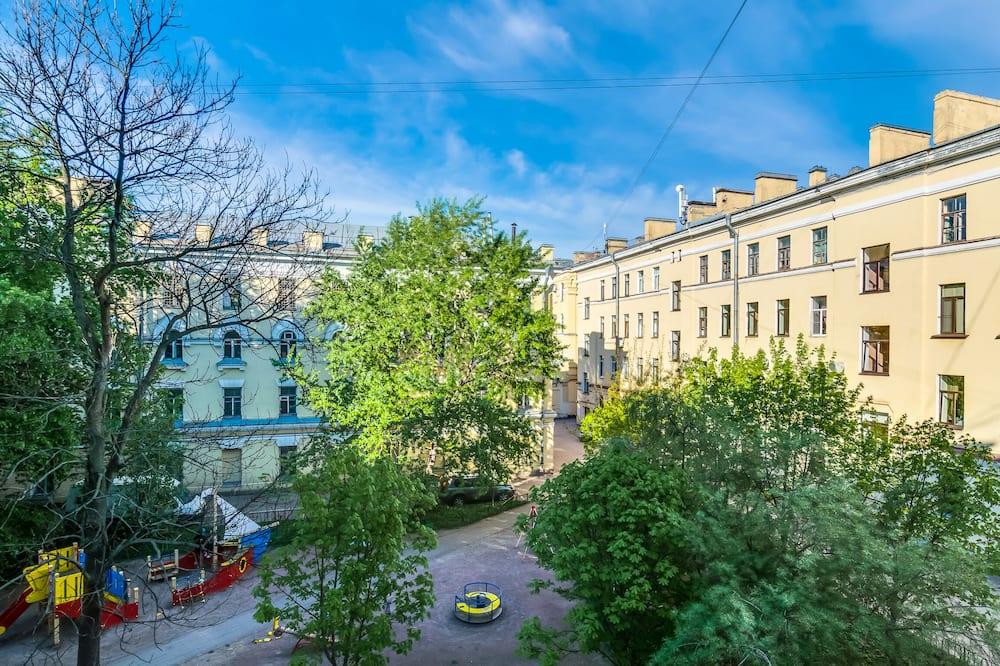 Travelto Zvenigorodskaya