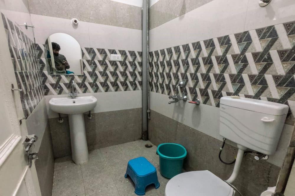 6 Bed Mixed Dormitory - Badezimmer