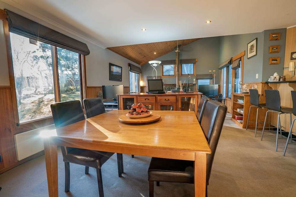 Planinska kuća - chalet, 4 spavaće sobe (Mayford) - Obroci u sobi