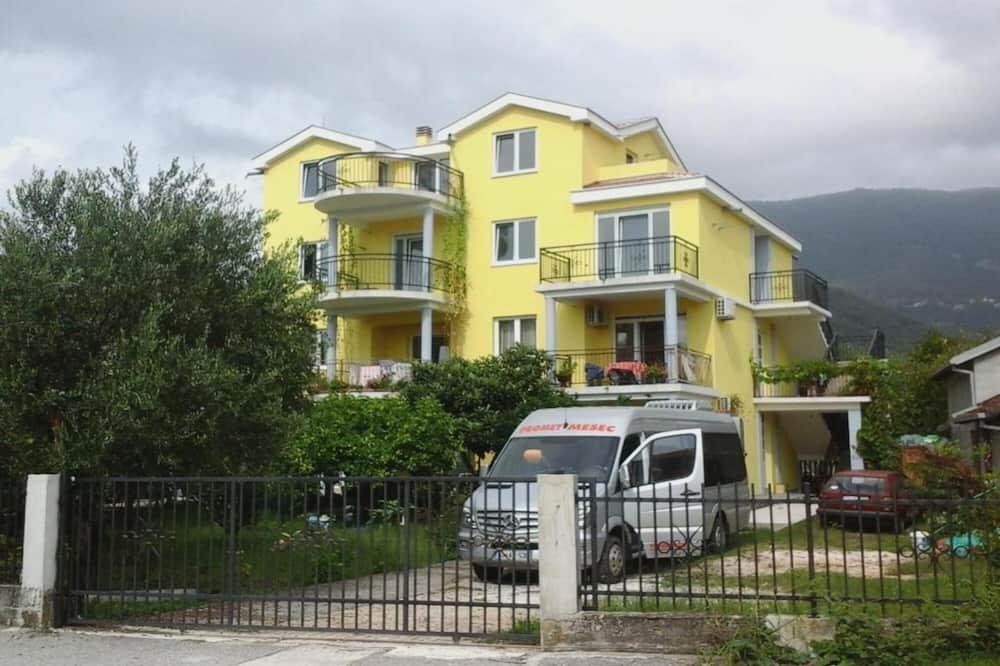 Apartments Olga Tivat