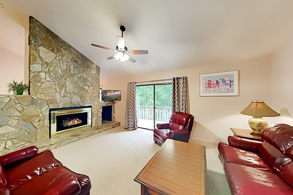 Exceptional Vacation Home In Lake Lure 3 Bedroom Condo