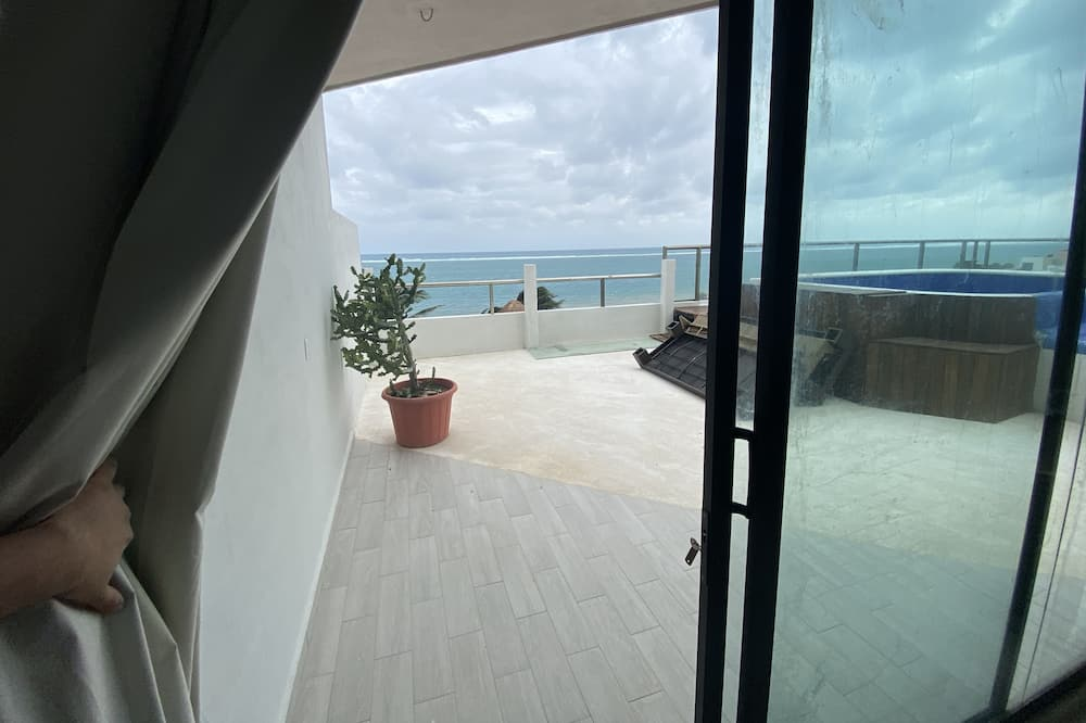 Rooftop King Size Suite