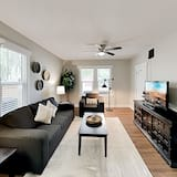Exceptional Vacation Home In Tampa 2 Bedroom Duplex