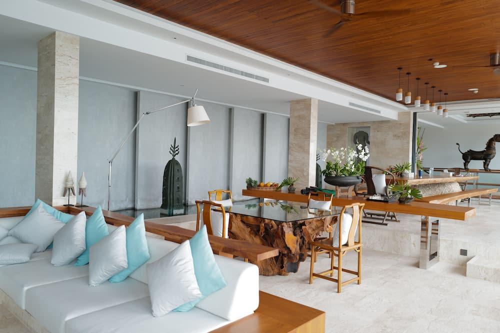 6-Bedroom Private Pool Villa - Living Area