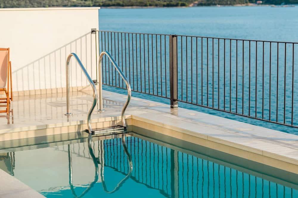 Villa (Six Bedroom Villa with Pool) - Pool