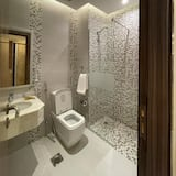 Basic-Dreibettzimmer, 1 Schlafzimmer - Badezimmer