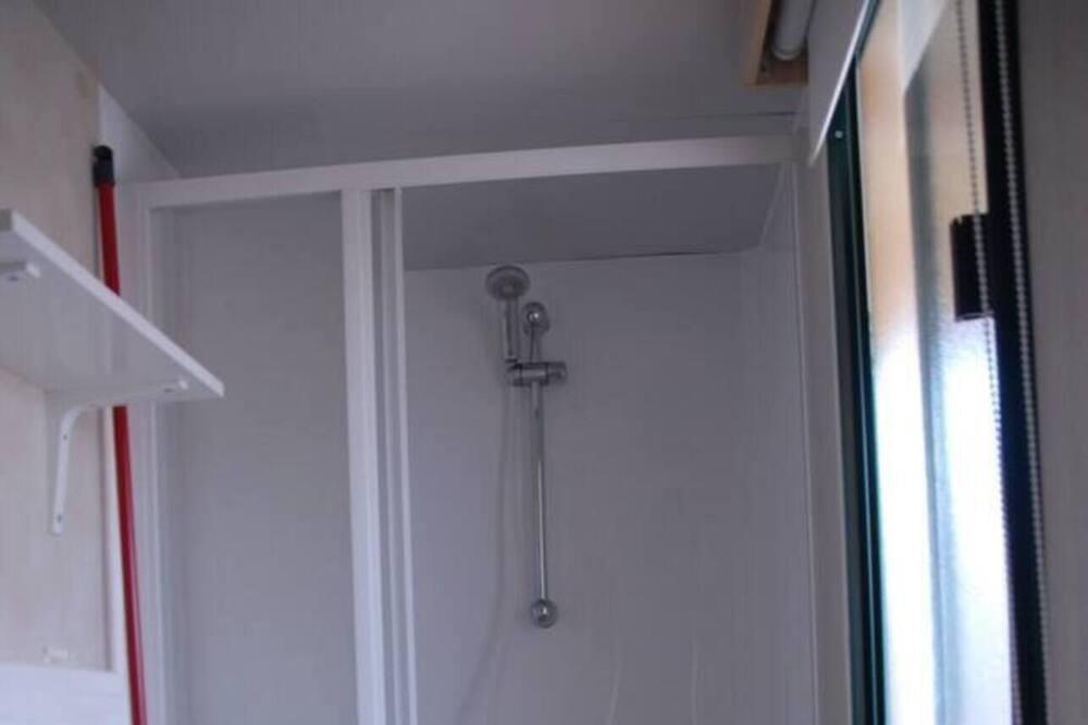 Nhà gỗ, Nhiều giường - Phòng tắm