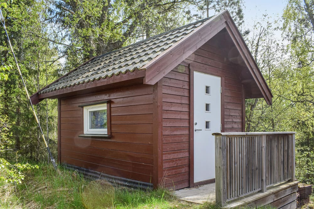 2 bedroom accommodation in Leirsund