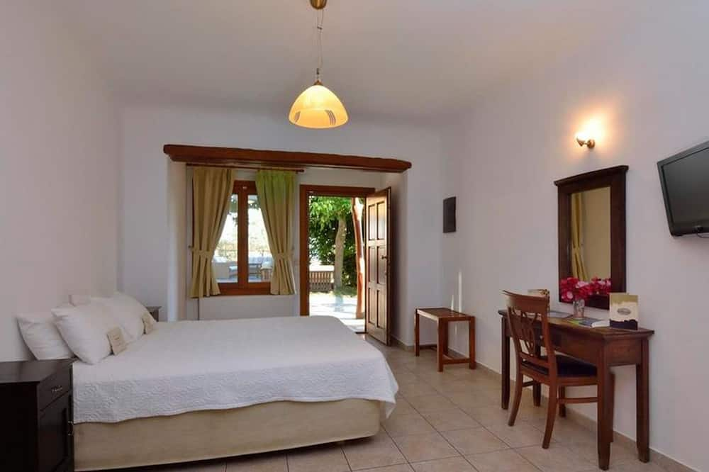 Sea View Room a few Steps From the Kala Nerbeach With Wifi and Air Conditioning