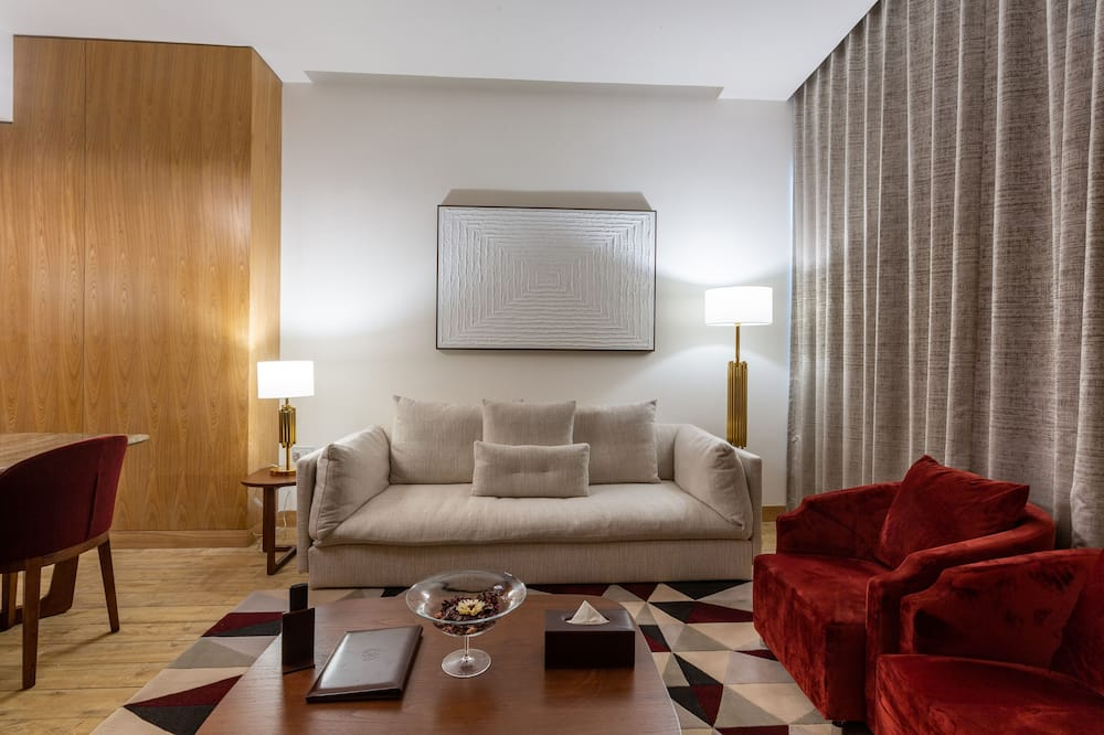 ห้องเอ็กเซกคิวทีฟสวีท, 1 ห้องนอน, ปลอดบุหรี่, วิวเมือง - พื้นที่นั่งเล่น