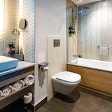 Studio Suite, 1 King Bed, Balcony - Bathroom