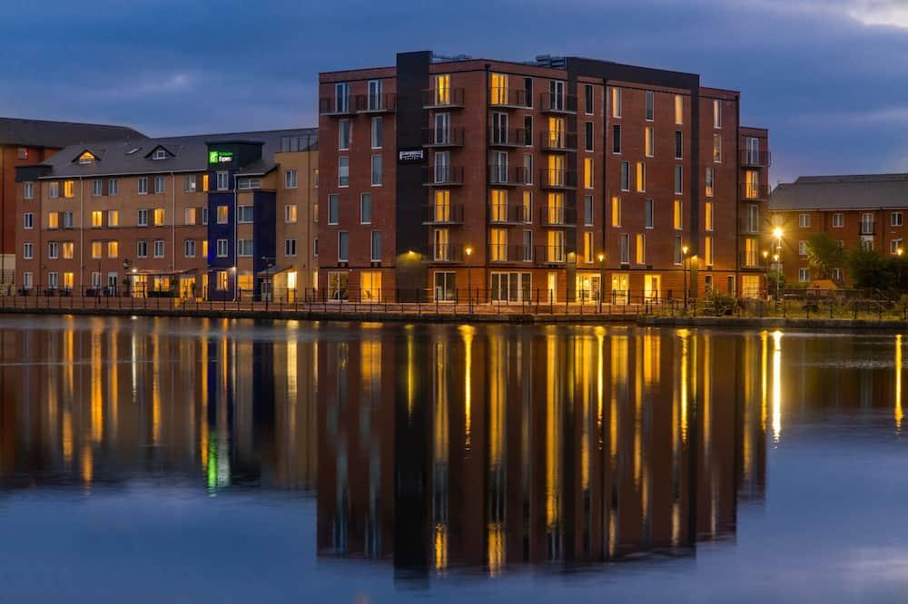 Staybridge Suites Cardiff, an IHG Hotel