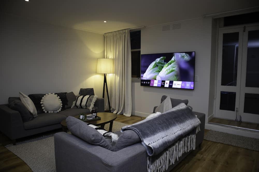 Apartment, 2 Bedrooms (Gordon Place 35) - Living Area