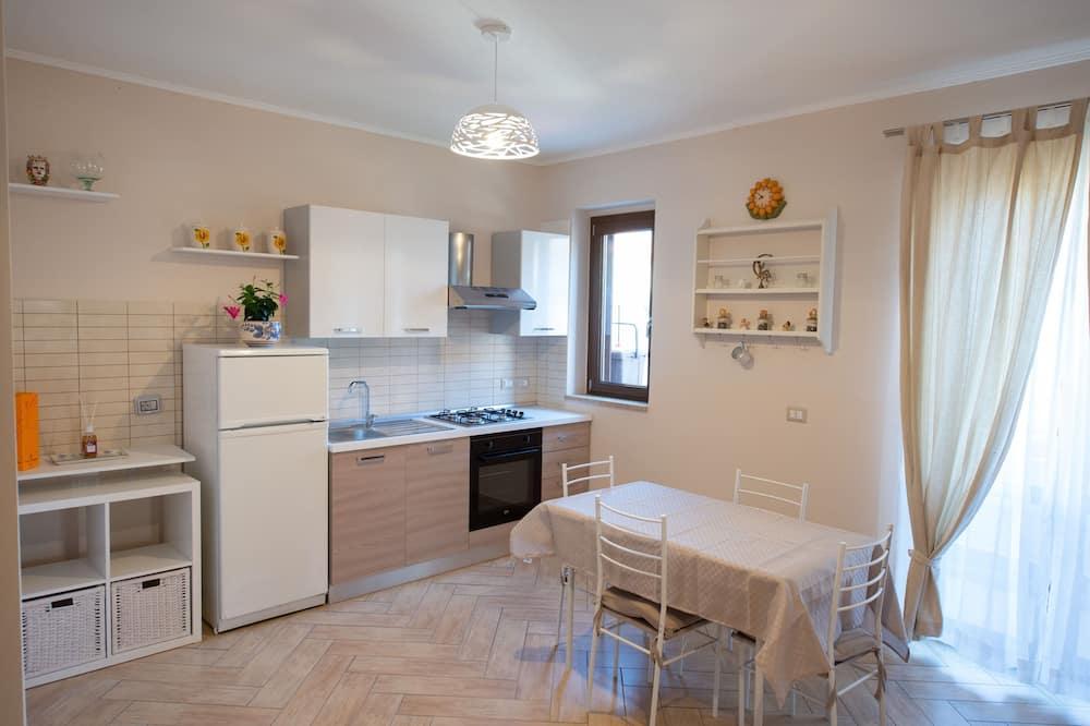 Deluxe külaliskorter, 2 magamistoaga, köögiga - Tuba