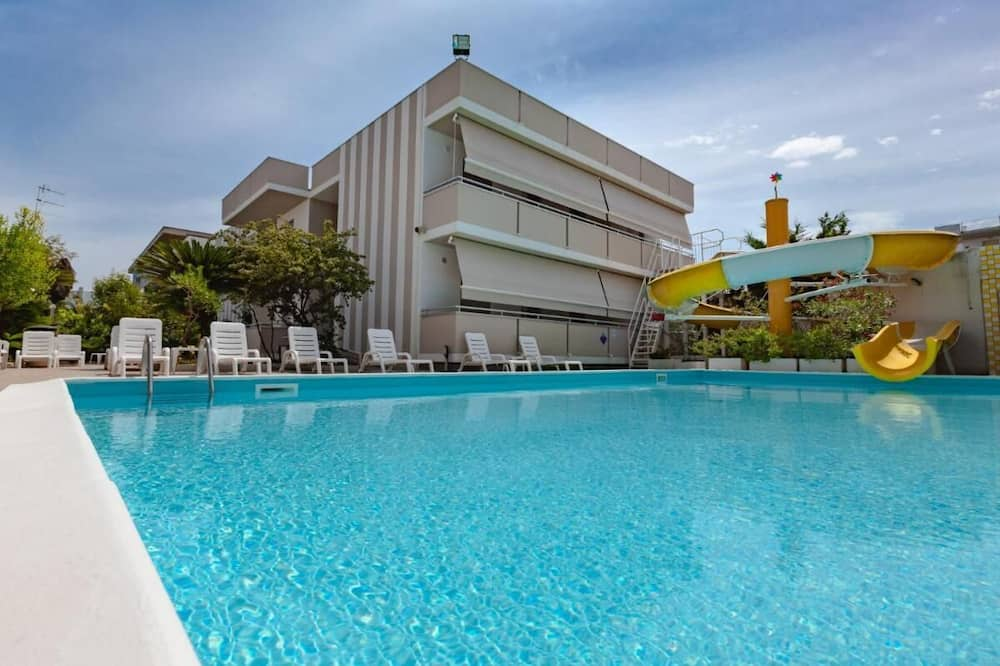 Perfect Three-room Apartment for Families Holiday Club Residence With Swimming Pool