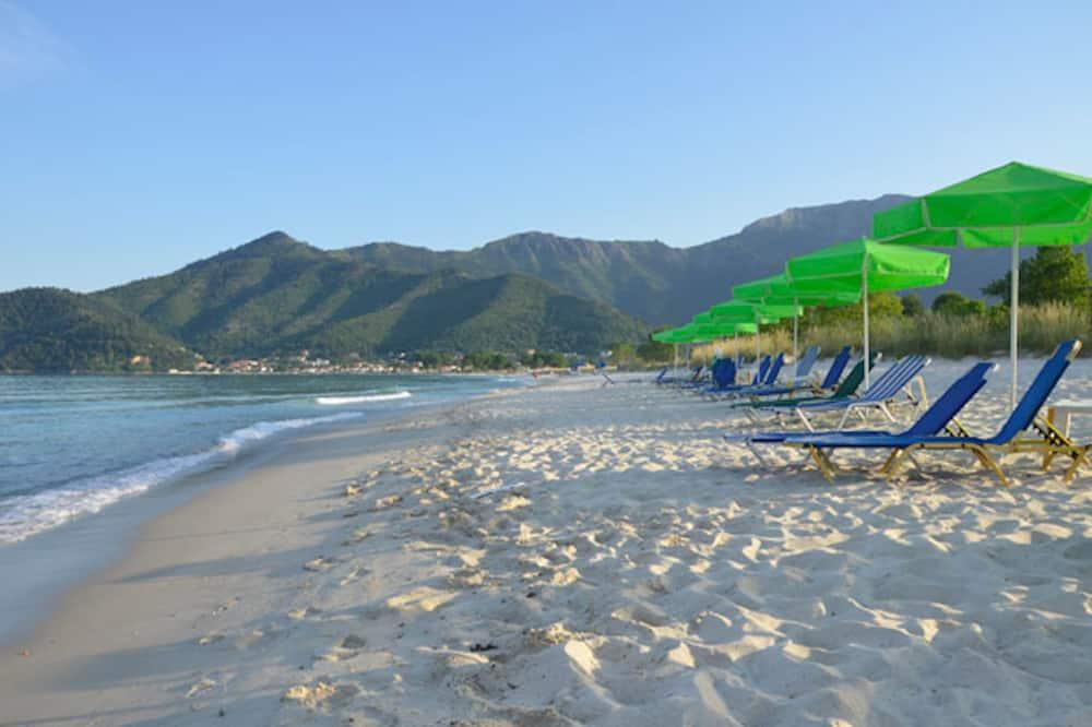 Hotel Georgia - Spacious and Bright Rooms Near Golden Beach in Thassos Island