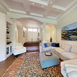 Exceptional Vacation Home In Napa 3 Bedroom Home