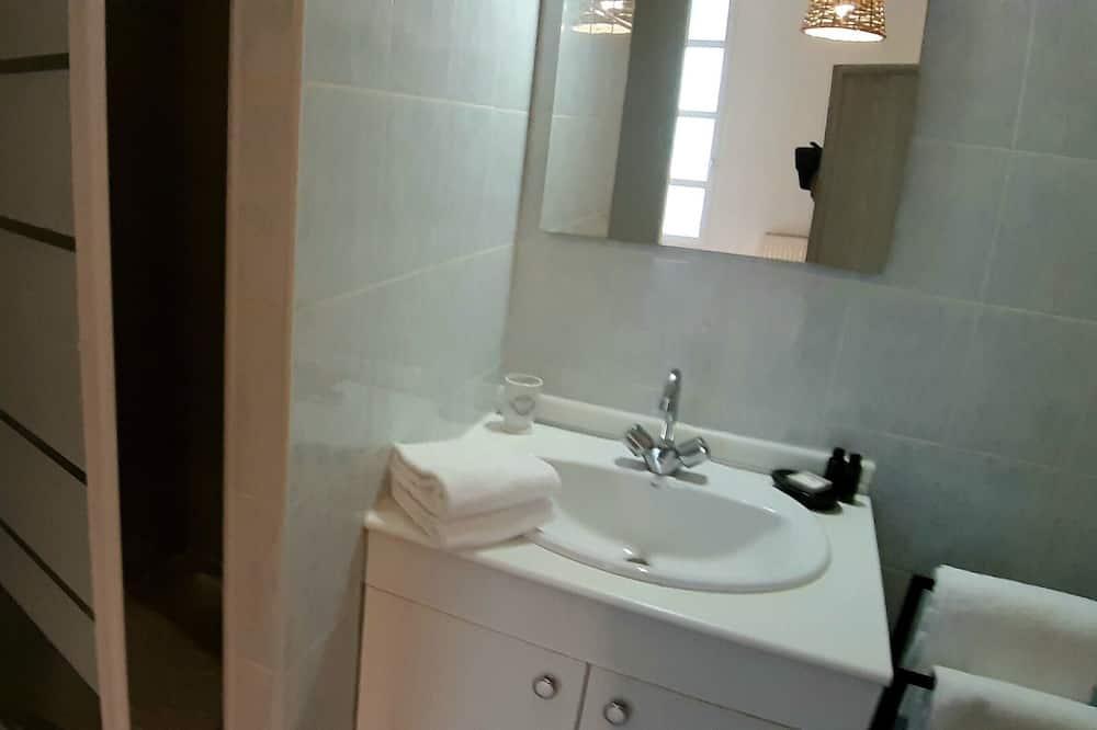 Apartment, Ensuite - Bathroom