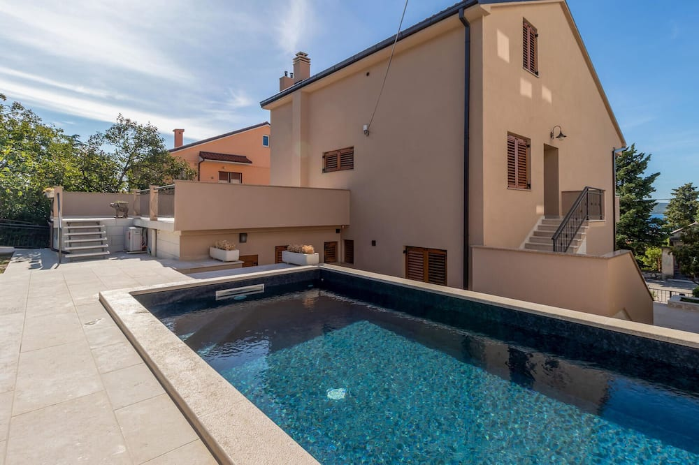 Beautiful Home in Dramalj With Wifi and 1 Bedrooms