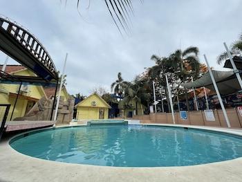 파라냐케의 MAH Resort by Glamper Grove 사진