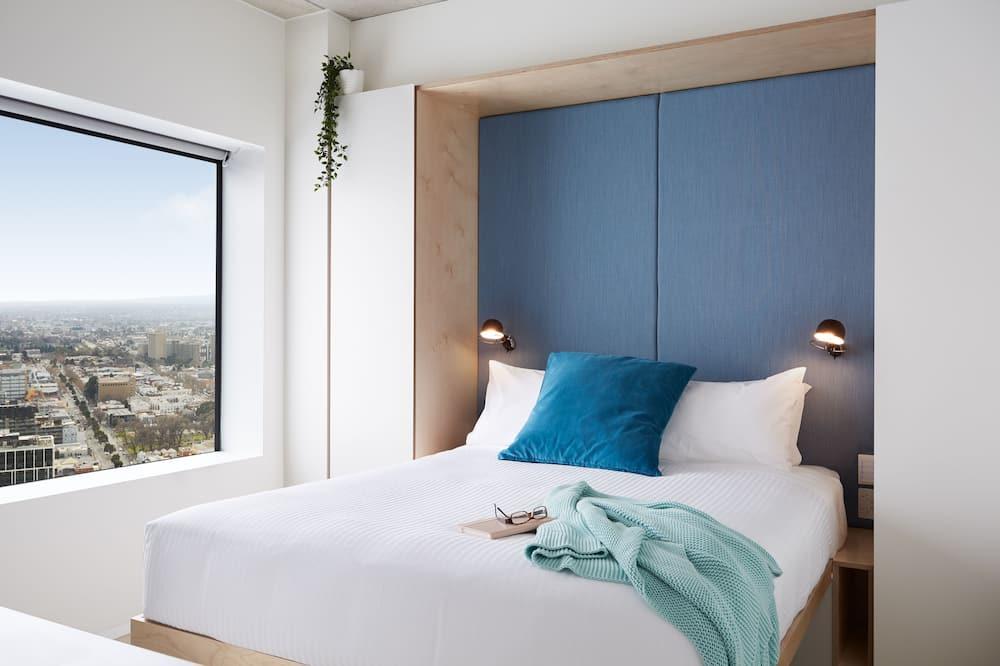 Studio, 1 Queen Bed, Kitchen, City View - Guest Room