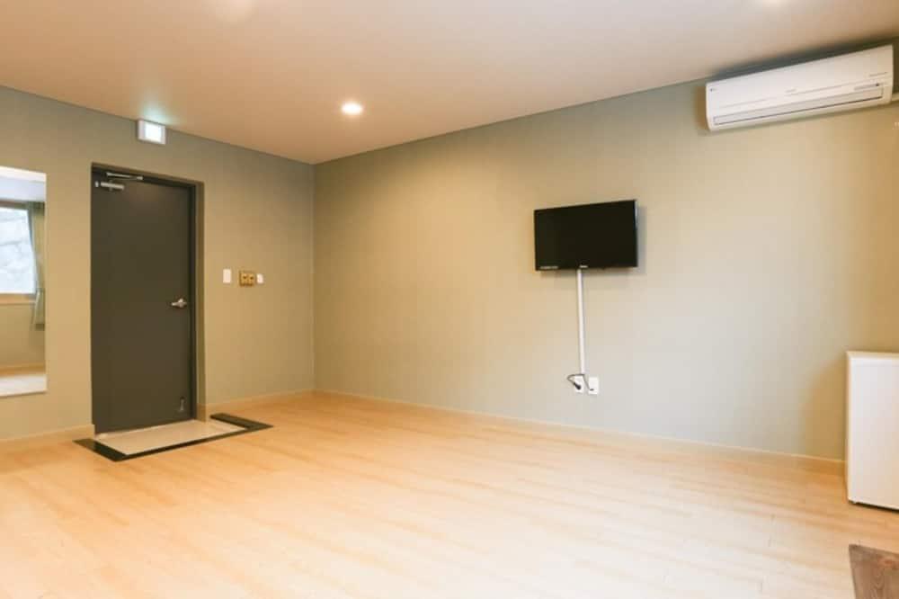 Room (Group Room A (301)) - Building design