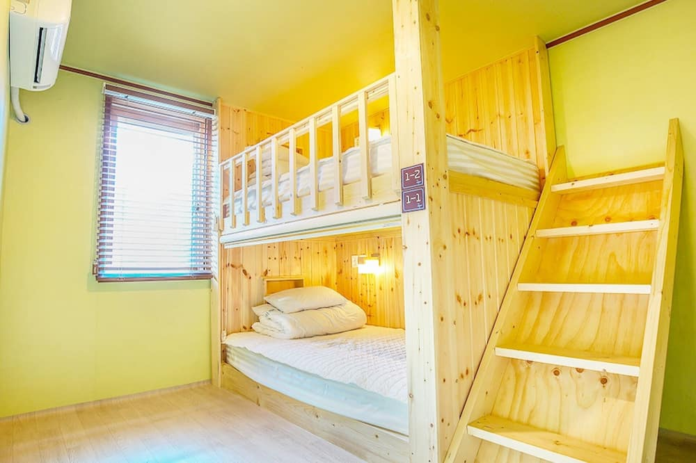 Room (1F Male Double Dormitory) - Guest Room
