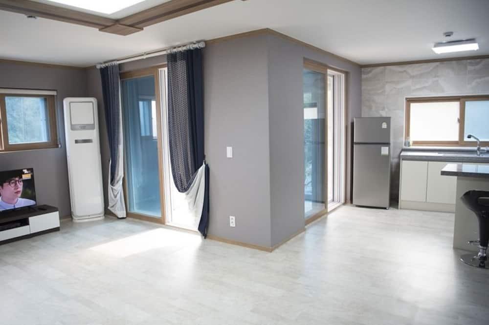 Room (Room 201 (Ondol Room Mountain View)) - Guest Room