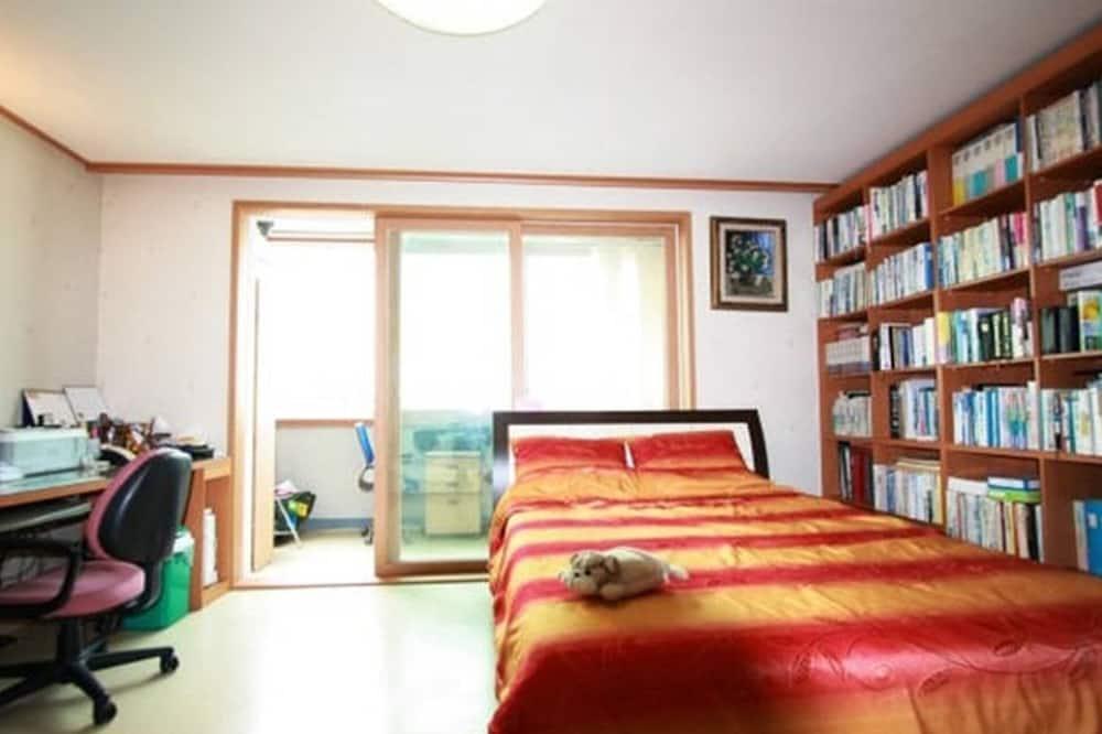 Zimmer (Room 1) - Zimmer