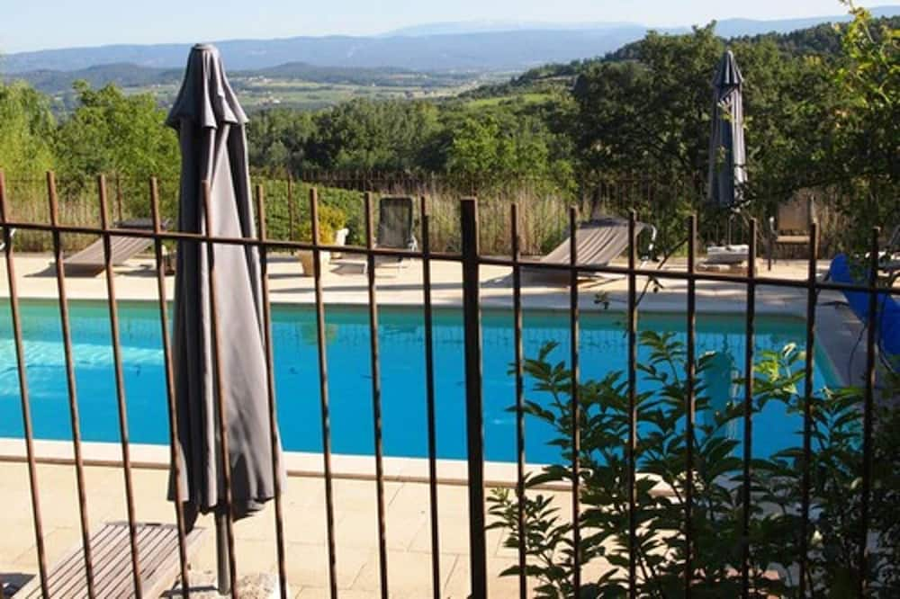 House With 2 Bedrooms in Bonnieux, With Wonderful Mountain View, Shared Pool, Furnished Terrace, Bonnieux