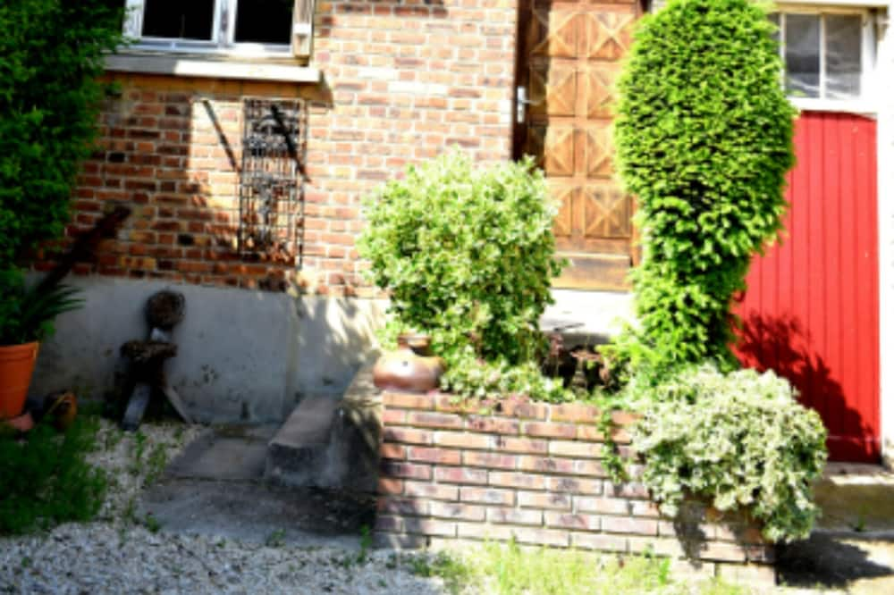 House With 2 Bedrooms in Itteville, With Enclosed Garden and Wifi