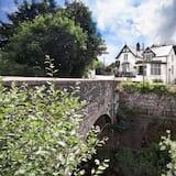 Newbridge on Usk