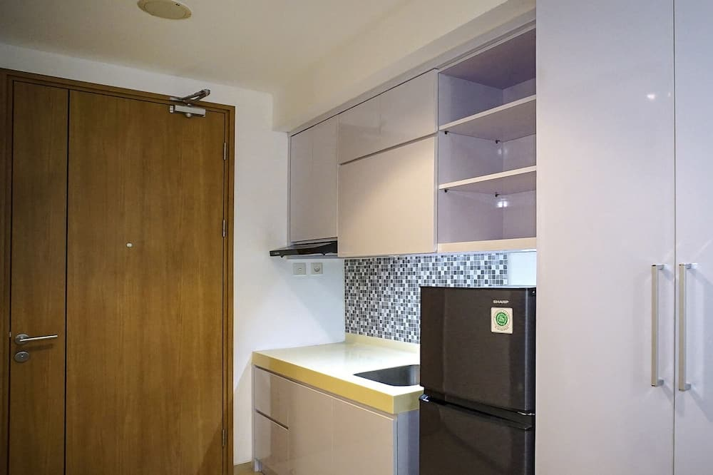 Studio, 1 Double Bed, Non Smoking, City View - In-Room Dining