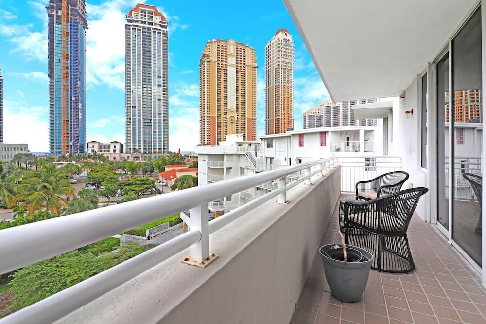 Penthouse, 3 Bedrooms - Balcony