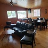 Premier Cottage - Living Area