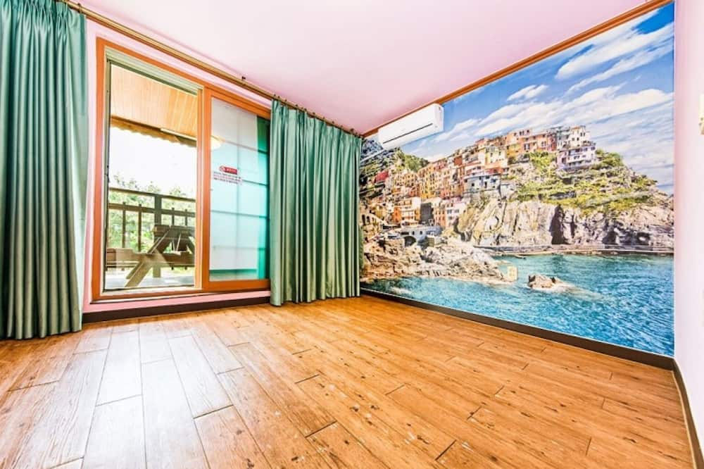 Room (Room 207 (Two Room)) - Room