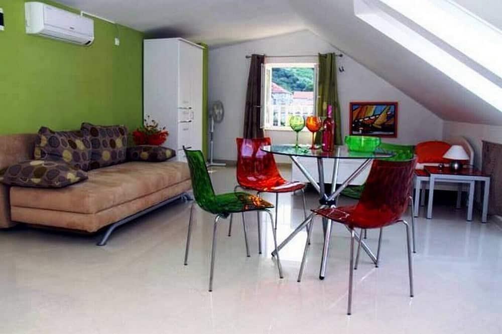 Studija (Studio Apartment with Terrace) - Svetainė