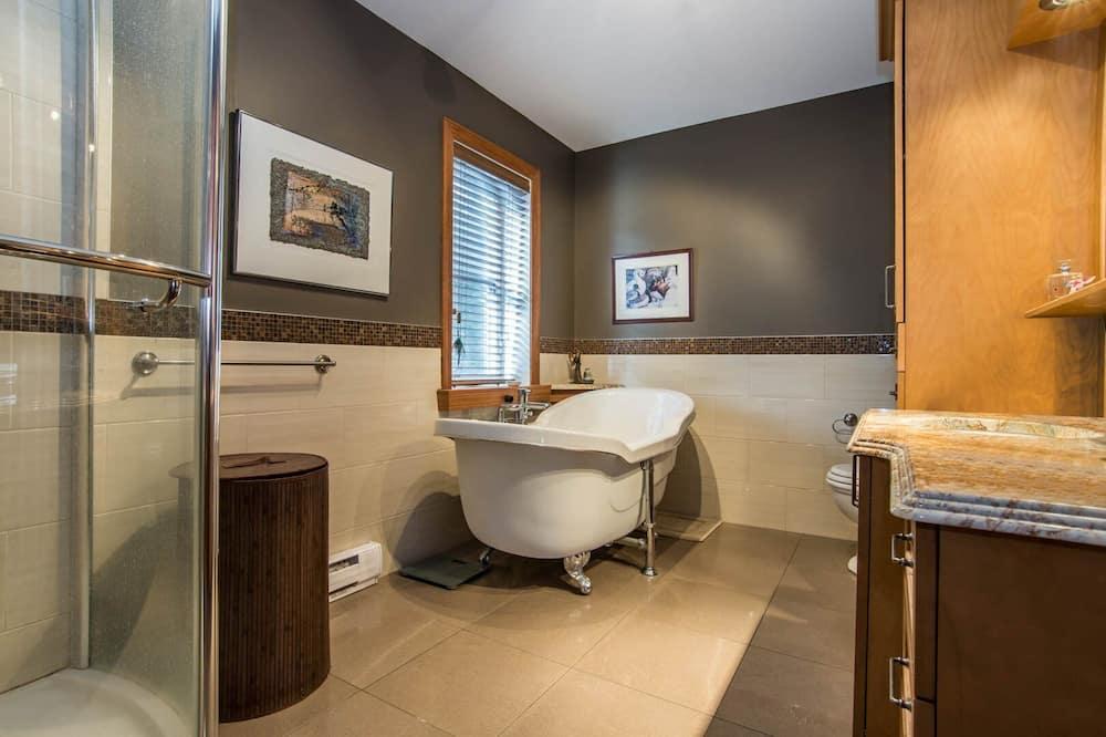 Condo, Lake View - Bathroom