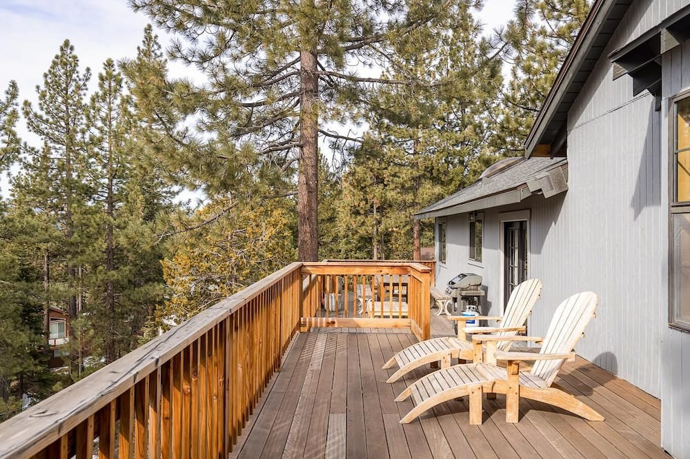 House, Multiple Beds, Mountain View (The Dollar Point Villa) - Balcony