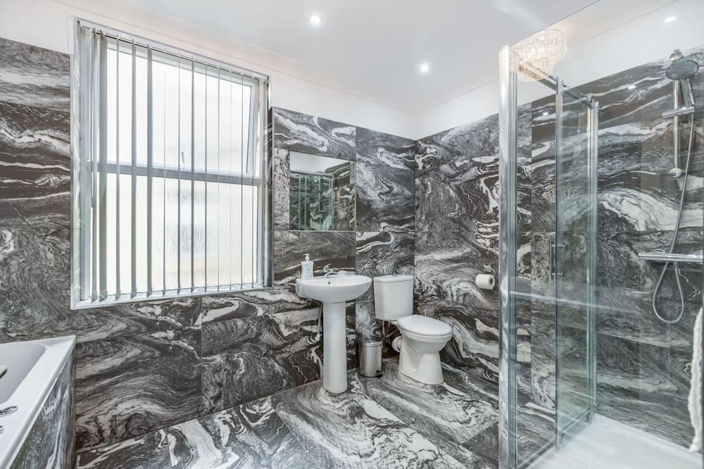 Luxury House, Private Bathroom - Bathroom