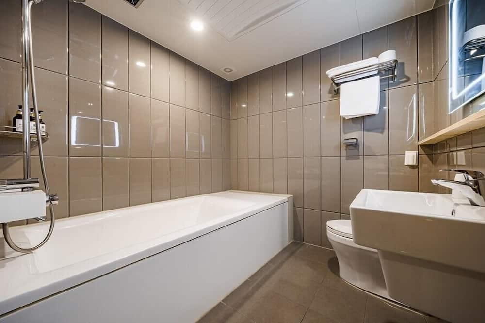 Deluxe Suite Room - ห้องน้ำ