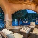 Villa, 6 Bedrooms - Balcony