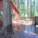 House, Multiple Beds (The Bernstein Bear Cabin) - Balcony