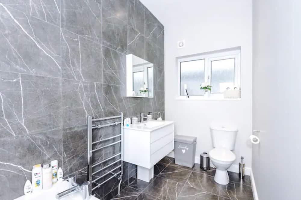Huis, Meerdere bedden - Badkamer