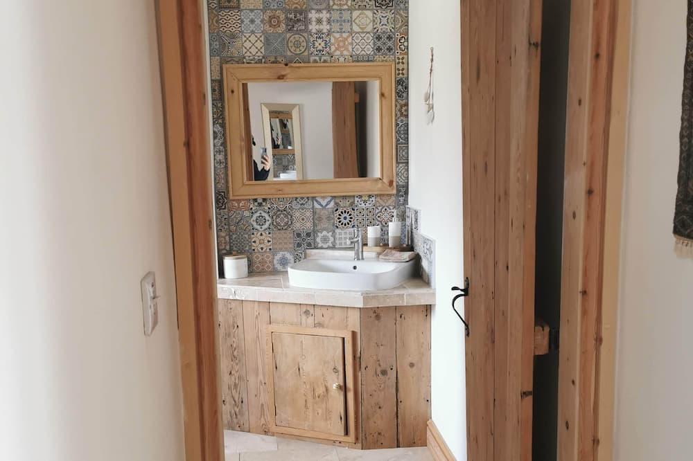Cottage, Private Bathroom - Bathroom