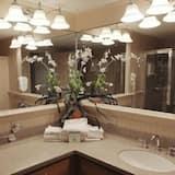 公寓客房 (PB Aug 20th-27th, 1Mac, Lincoln) - 浴室