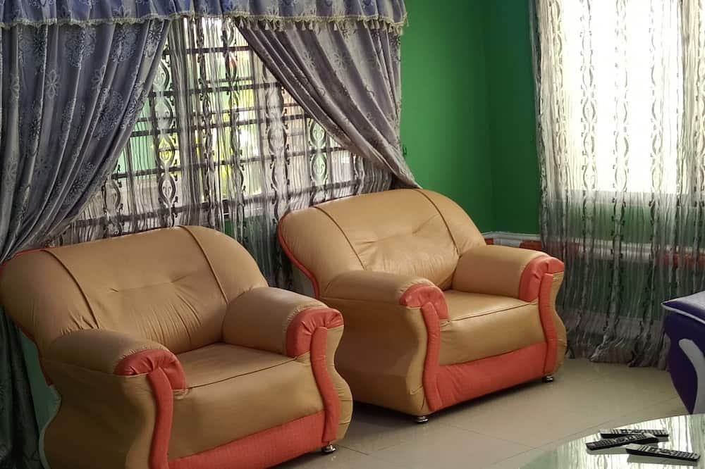 Căn hộ tiện nghi đơn giản - Phòng