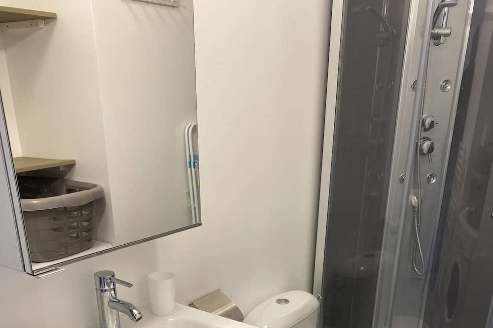 City Διαμέρισμα, Μπάνιο στο δωμάτιο, Θέα στην Αυλή - Μπάνιο