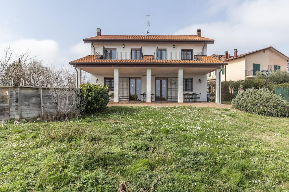 Villa With 6 Bedrooms in Montescudo, With Wonderful sea View, Private Pool, Enclosed Garden - 10 km From the Beach